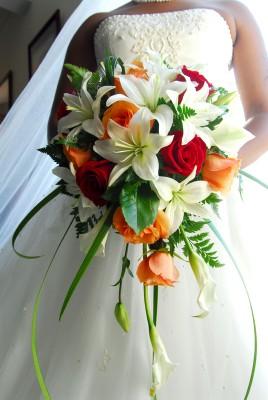 trailing-teardrop-bouquet-268x400