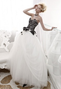 atelier-aimee-black-and-white-juliet-romeo-wedding-dres