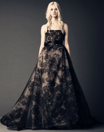 black-hand-pieced-chantilly-lace-applique-overlay-tulle-bridal-gown