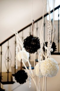 black-white-sphere-wedding-centerpiece-1