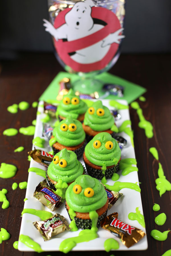 Greeen-Ghost-Cupcakes-with-Slime-6-b.jpg